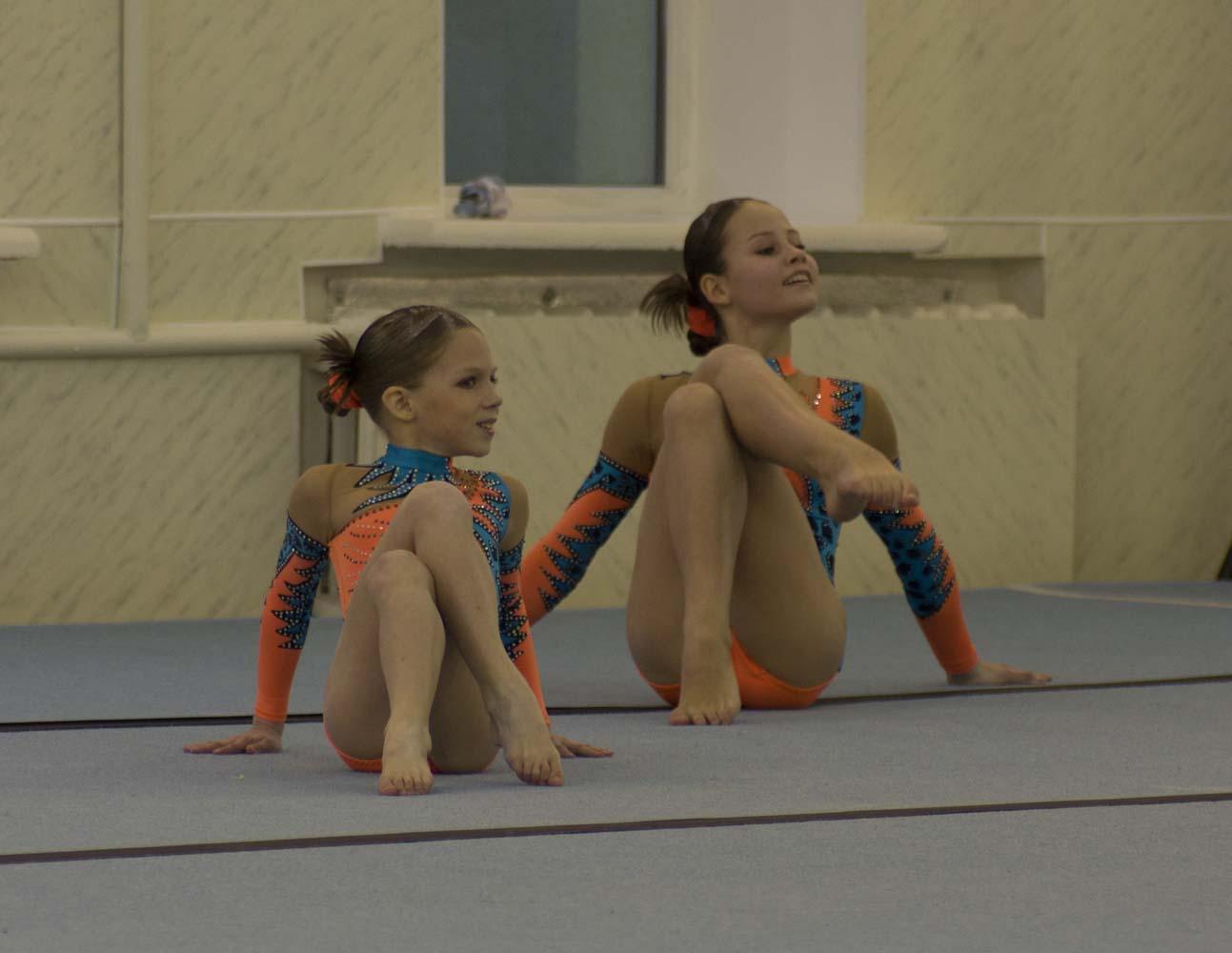 akrobatika-foto-devushek
